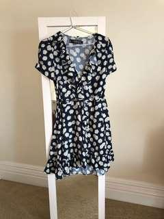 Noughts & Crosses daisy floral wrap mini dress size 6