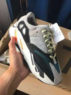 Yeezy 700 Size 9 DS