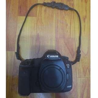 Canon EOS 5D Mark III - Good 10/10 Working Condition, 6/10 Exterior Aesthetics
