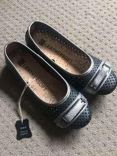 Brand new rivers genuine leather shoes flats