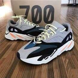 Yeezy 700 AUTHENTIC FROM ADIDAS