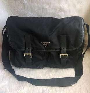 100% authentic Prada Messenger bag