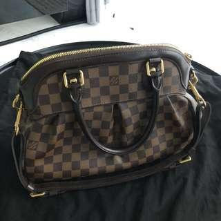 e577876235 FIXED    1.4k Preloved Louis Vuitton Trevi PM