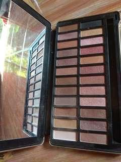 Eyeshadow NAKED 4 urban decay KW