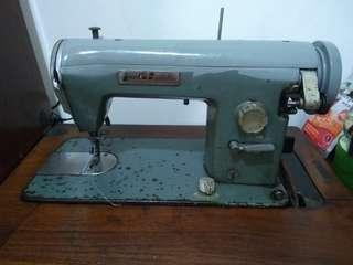 Mesin Jahit / Sewing machine merk JUKI
