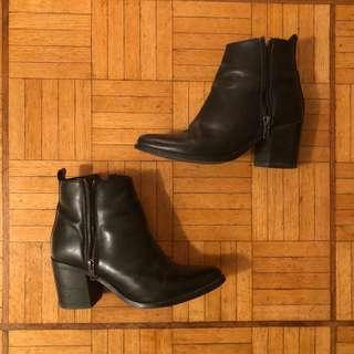 Steve Madden leather ankle booties size 6.5