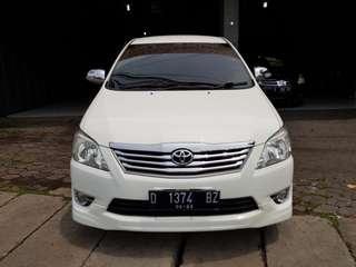 Kijang innova G matic bensin 2012 putih istimewa