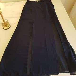 Size 8 Valleygirl maxi skirt with side splits