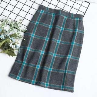 Woolen Plaid Skirt