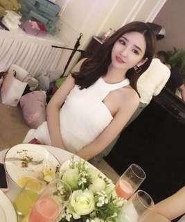 🚚 白色氣質連身洋裝