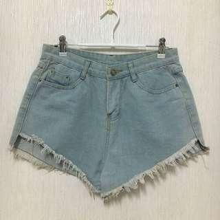 🚚 全新淺藍短褲L