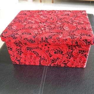 Pretty Lace Box