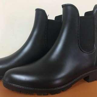 🚚 ✨雨天時尚短靴