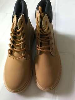Pre order/boots