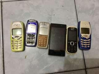 Old and defective Mobile phones (all for 200 pesos)