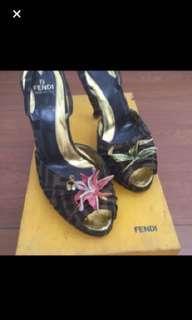 Sepatu Fendi authentic , defect hrs ganti sol hak