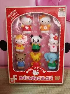 Kitty figurines