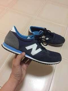 Authentic New Balance, dark blue