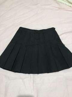 American apparel tennis skirt in black