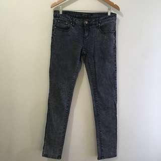 W: 33 Stretchy mid waist acid wash skinny jeans