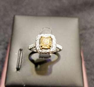 18k鑲鑽石戒指 1.01ct 黃鑽 非常乾淨  碎石55份
