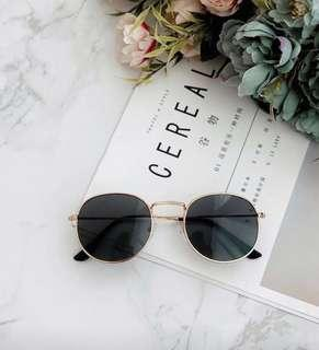Gold Frame Vintage Sunglasses #EVERYTHING18