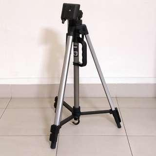 Aluminum Light Weight Tripod 3 section