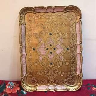 VINTIQUE 歐洲 老件 意大利製 極美 古典 華麗 手工 手繪 粉紅 金邊 外框 立體 雕花 木質 託盤