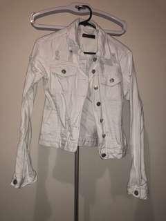 White denim jacket !