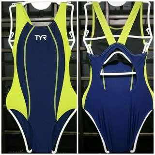 TYR Swimsuit M XXL