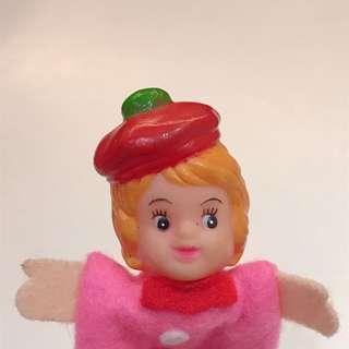 德國帶回 中古 玩具 貝蕾帽 女孩 手指 公仔 / 軟膠公仔 / 吊飾