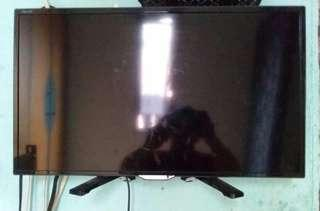 TV 24 inch