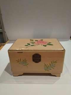中古欧洲音樂首飾盒,不议價