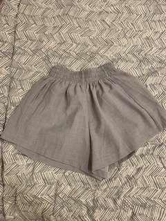 Mi-o grey shorts