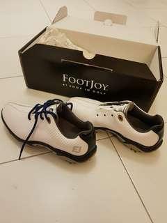 Lightly used Footjoy junior golf shoe (US Size 3)