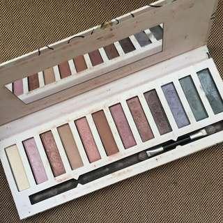 Eyeshadown bronze palette