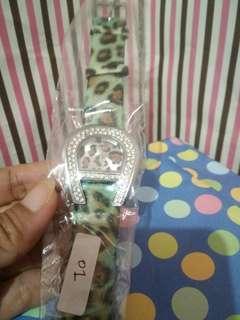 Jam tangan guess hijau