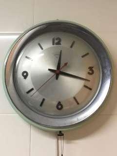 Vintage 80s Diamond Clock