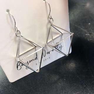 Luxy Diagrid Earrings (Silver)