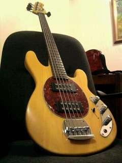 FOR SALE 5 STRING BASS GUITAR
