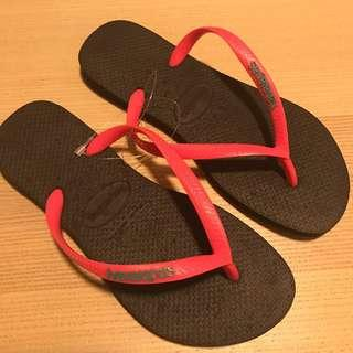 Havaianas Slippers Black + Hot Pink   Size 37/38