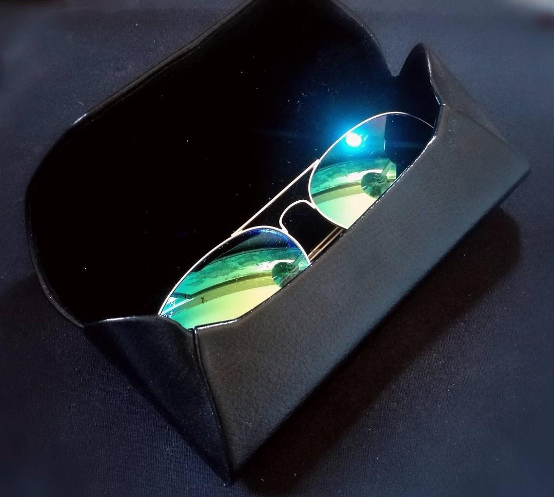 $100 off! Authentic Polarised Rayban Aviator Flash sunglasses withe CASE