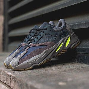 Adidas yeezy Boost 700 wave runner mauve fc48f674a
