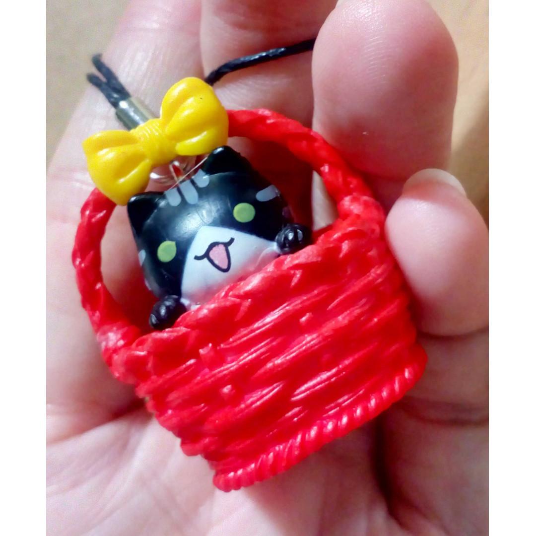 Adopt Me! Basket Kitty Charm Strap Beige (item code:CHAC01-BTRD)