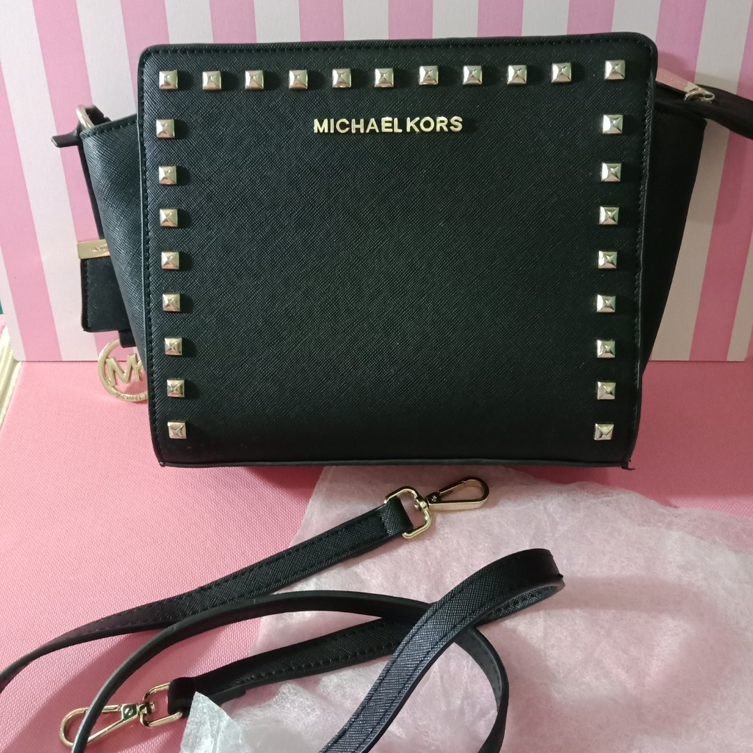 611ddf133542 Basic Black Studded Clutch / Bag by Michael Kors, Women's Fashion, Women's  Bags & Wallets on Carousell