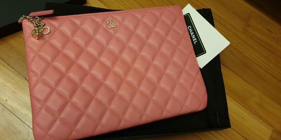 Chanel clutch bag a1c3bc70d3fe4
