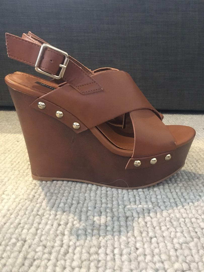 Forever 21 wedges size 8