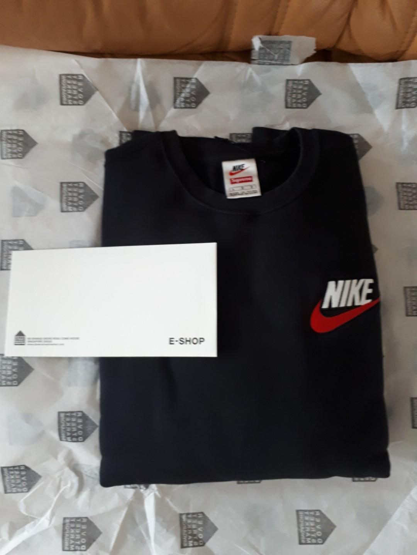 ef410c876d68c4 L) Nike x Supreme Crewneck Black