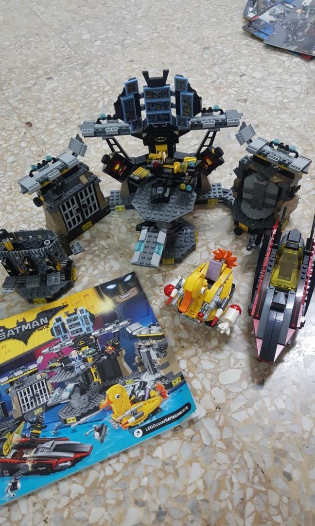 Lego batcave batman