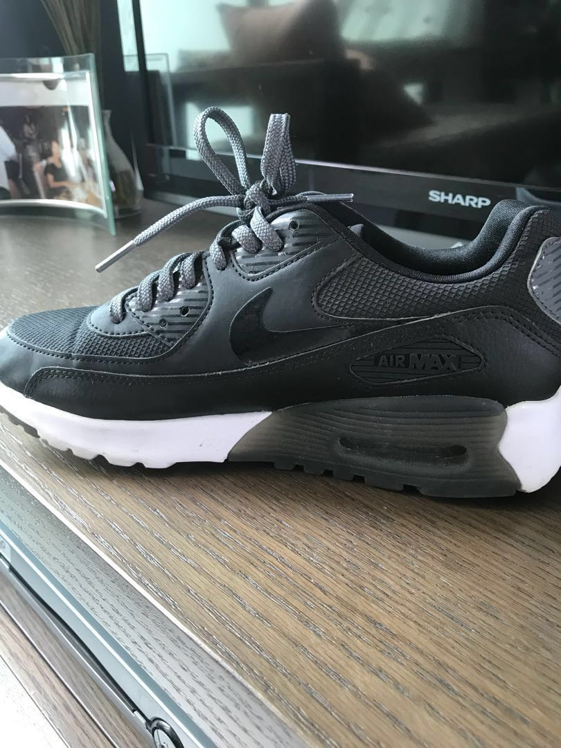 low priced 9922a c2706 Nike Air Max 90 Ultra Essential in Black and White, Women s Fashion ...